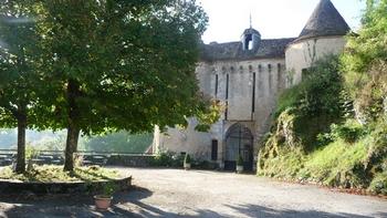poterne-du-chateau-de-gargilesse